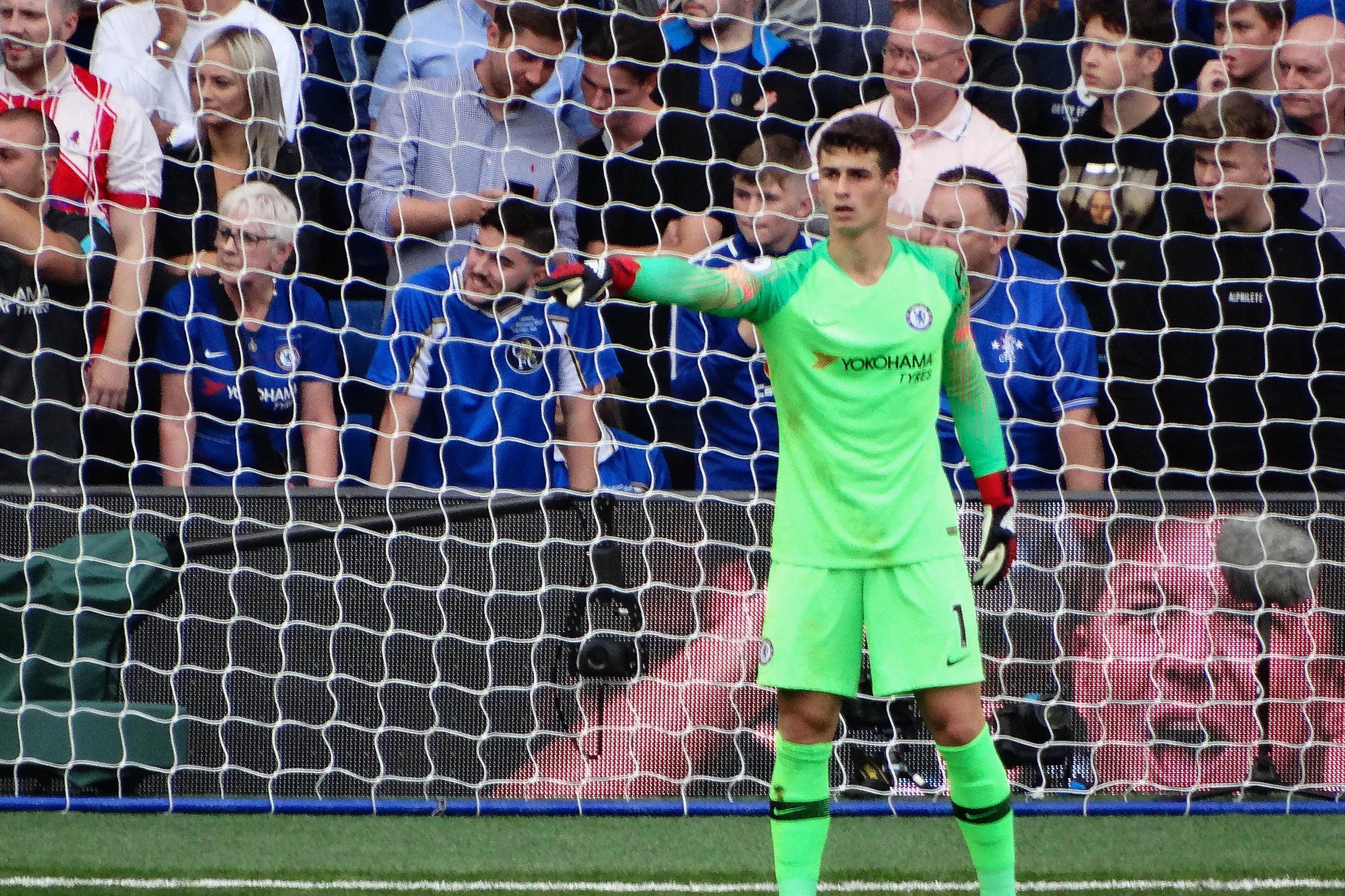 Chelsea's #1 Kepa Arrizabalaga organizes his defence