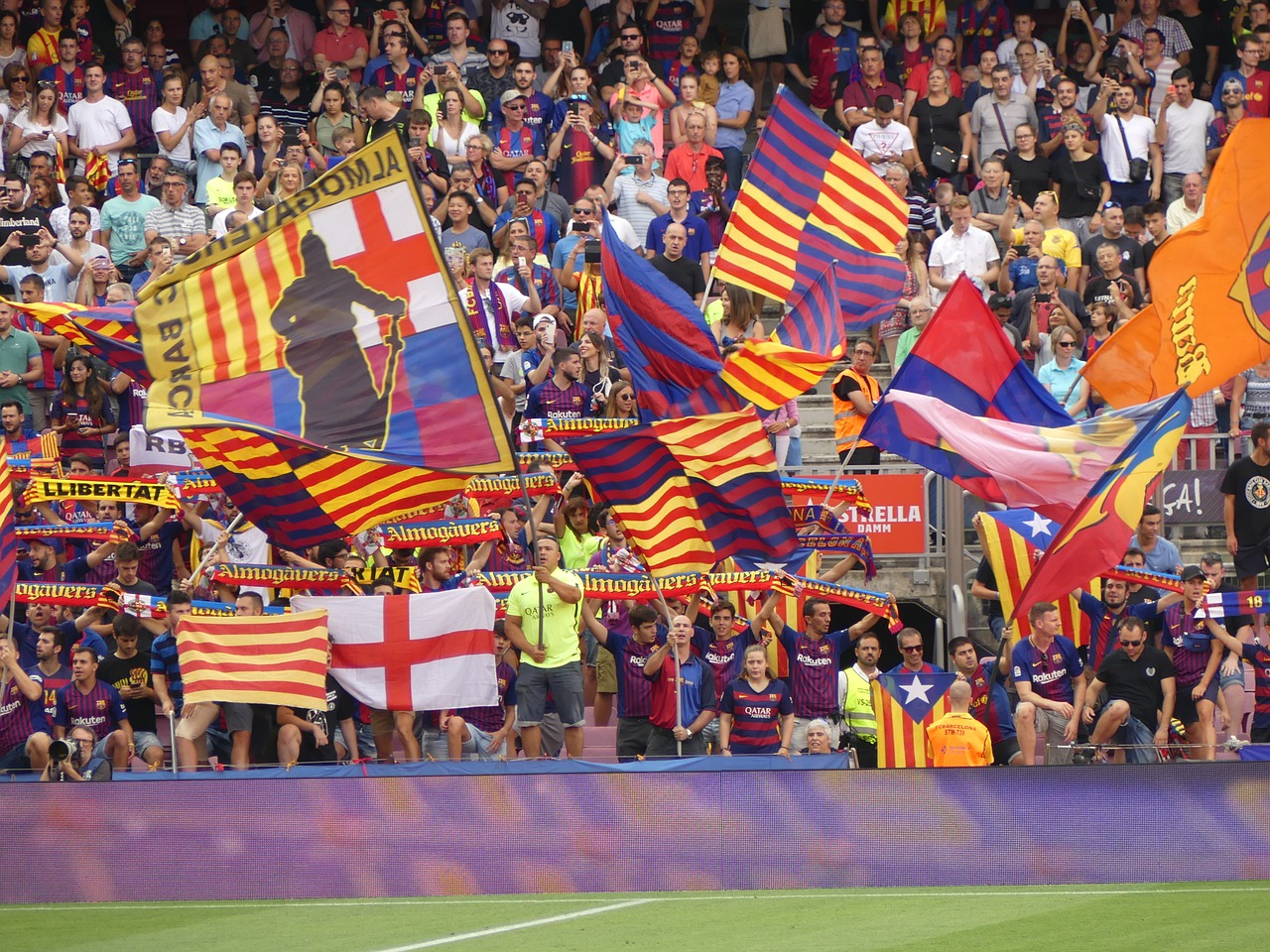 Barcelona - Fans waving flags