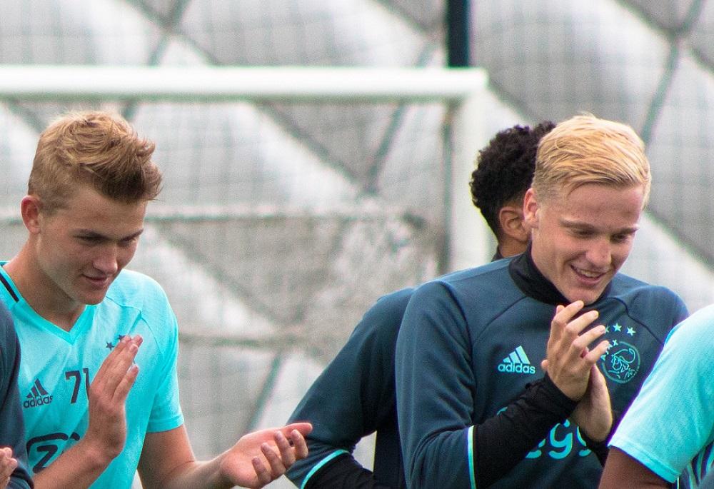 Ajax Training - Van Der Beek and De Ligt